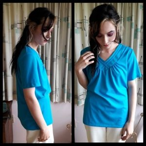 Fun turquoise Vtg 80's polyester top!